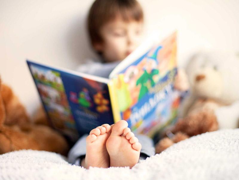 cách giúp trẻ thích đọc sách
